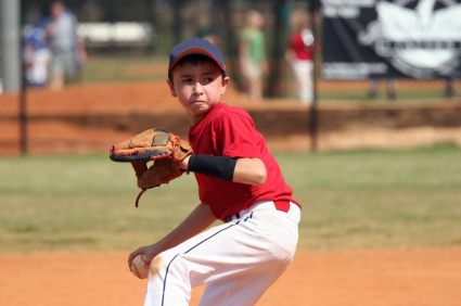 Little Leaguer's elbow pain in a young baseball pitcher