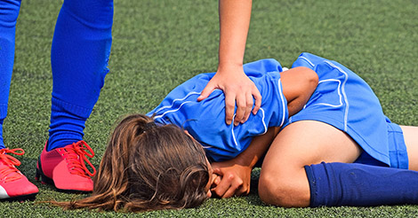 Female soccer player suffers ACL injury